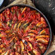 طرز پخت راتاتویی؛ خوراک کدو سبز یونانی