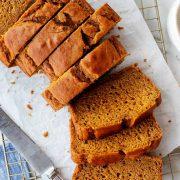 طرز تهیه نان کدو حلوایی