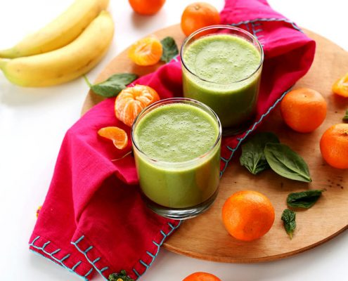 """طرز تهیه """"اسموتی زمستانی"""" با ترکیب نارنگی و شیر نارگیل"""
