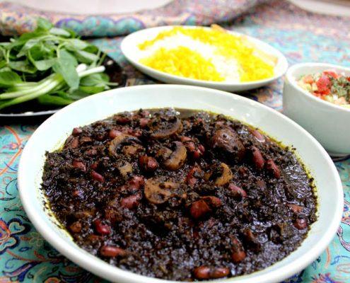 دستور تهیه خورش سبزی گیاهی با قارچ
