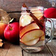 طرز تهیه دتاکس واتر سیب دارچین