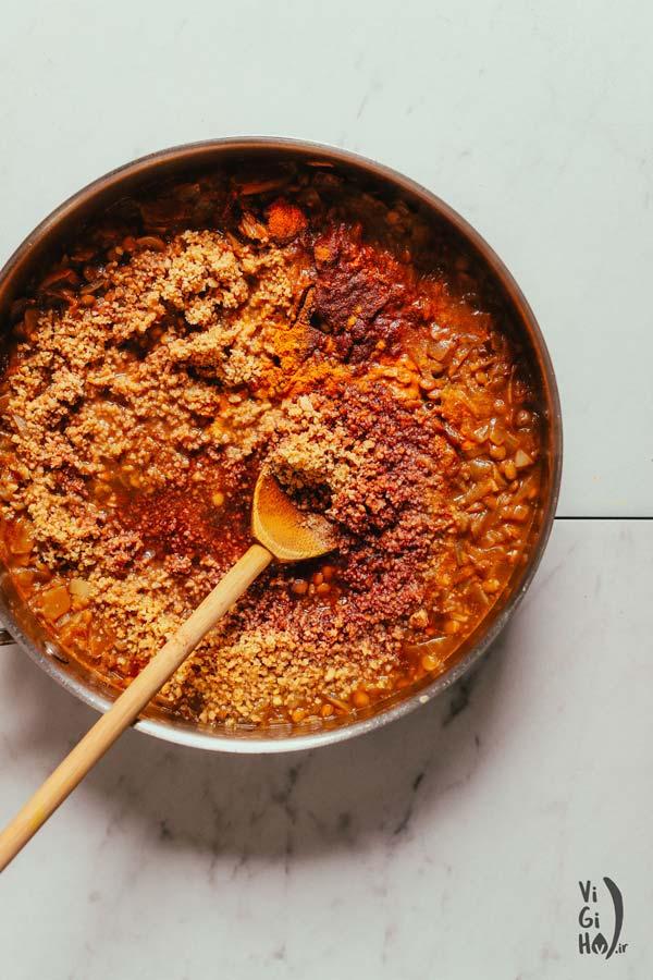 روش پخت خورش فسنجان عدس گیاهی